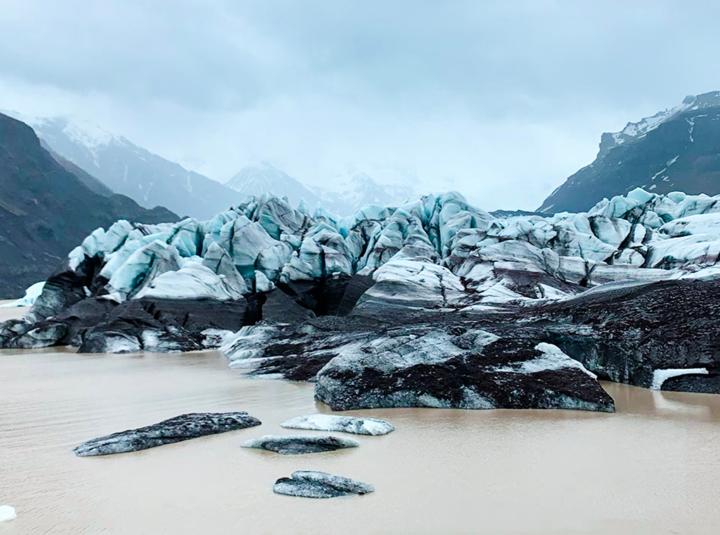 8 días y una vuelta de 1,350 km alrededor deIslandia